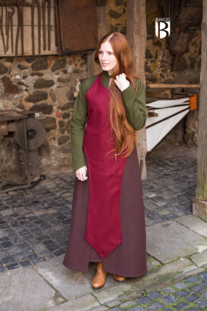 Red long Apron Asua by Miss Viscid